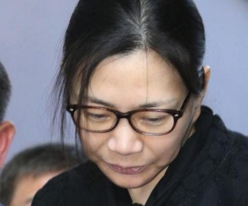 Korean Air 'nut rage' executive wants lawsuit moved to South Korea