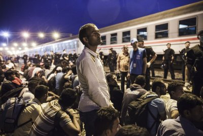 EU interior ministers approve tentative mandatory relocation of 120,000 migrants