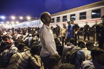 EU interior ministers approve tentative mandatory relocation of 120,000 migrants