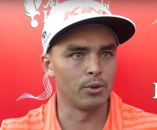 Rickie Fowler wins by one in Abu Dhabi