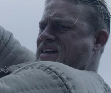 Charlie Hunnam fights for the throne in new 'King Arthur' trailer