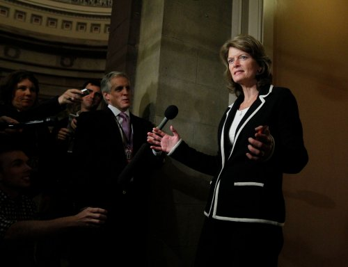 Lisa Murkowski celebrates GOP victory by screaming 'I am the chairman!'