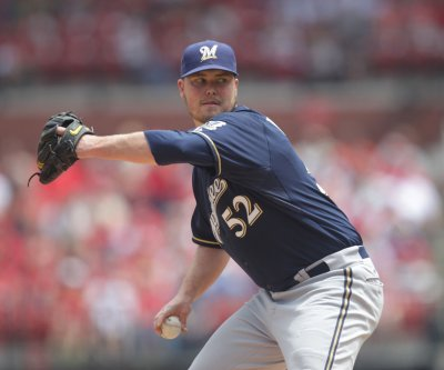 Milwaukee Brewers top San Diego Padres to snap losing streak