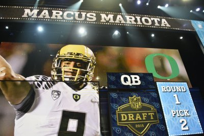 Marcus Mariota outplays Jameis Winston in Tennessee Titans' victory