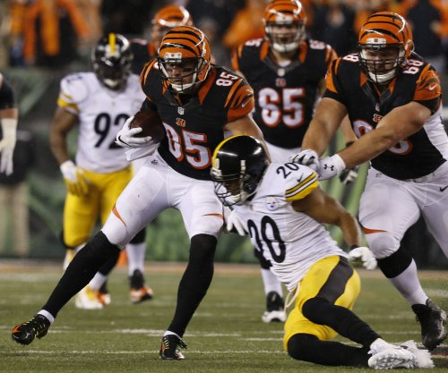 Cincinnati Bengals TE Tyler Eifert ruled out; Dallas Cowboys' Dez Bryant questionable