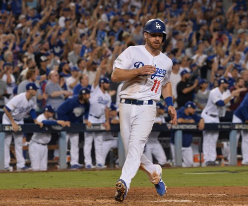 Los Angeles Dodgers roll again, push Arizona Diamondbacks to edge