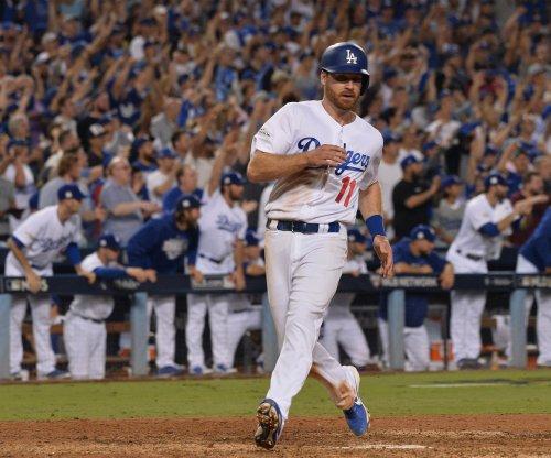 Los Angeles Dodgers roll again, push Arizona Diamondbacks to edge