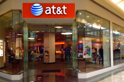 AT&T spins off WarnerMedia to join Discovery, create major media company