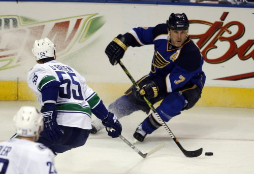 NHL: Vancouver 3, St. Louis 2
