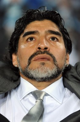 Diego Maradona seen allegedly hitting his ex-fiancee in video