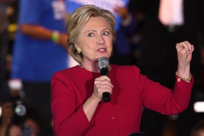 Justice Dept. officials opposed Comey's release of new info on Clinton email probe