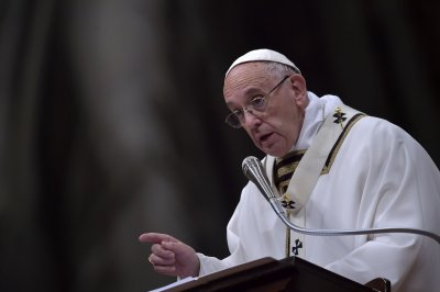 Pope Francis: Church should consider allowing married priests