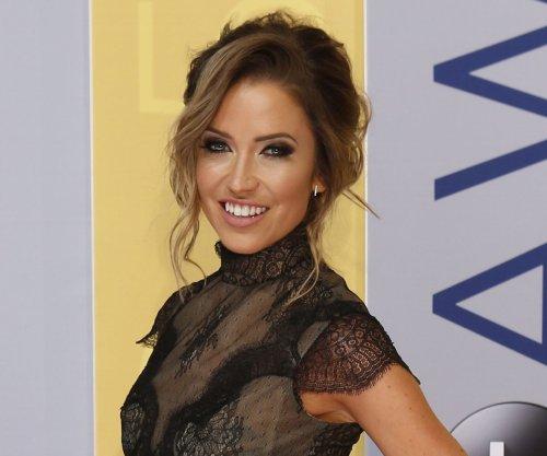 'Bachelorette' alum Kaitlyn Bristowe tries on wedding dresses
