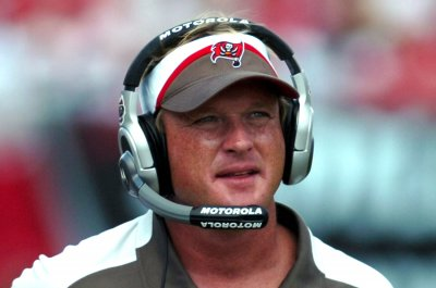 Jon Gruden: Oakland Raiders to chase coach with lucrative offer