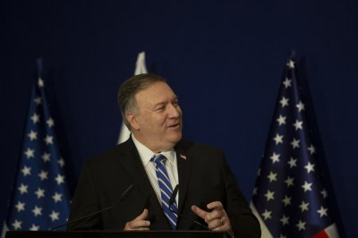 Pompeo meets with Afghan, Taliban leadership in Qatar