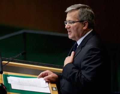 Poland's Komorowski wants U.N to block Russian influence