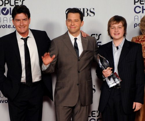 Charlie Sheen and Jon Cryer to appear on James Burrows special