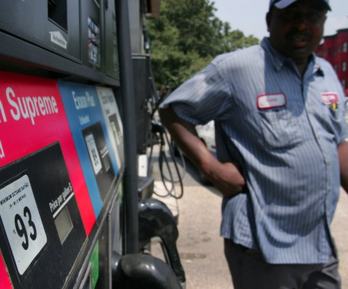 AAA: Gas prices will stay lower this summer