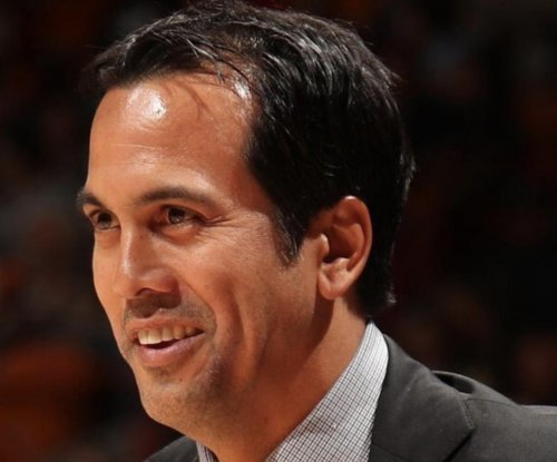 Miami Heat sink Los Angeles Clippers, Spoelstra passes Riley