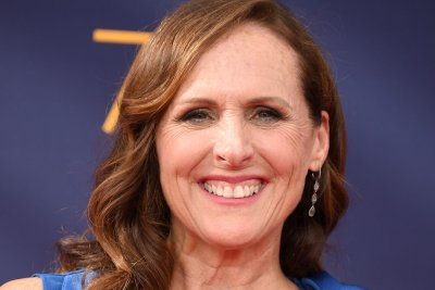 Molly Shannon joins Marlon Wayans in Netflix's 'Sextuplets' movie