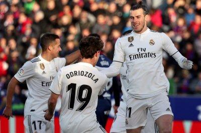 Gareth Bale leads Real Madrid to win vs. Huesca