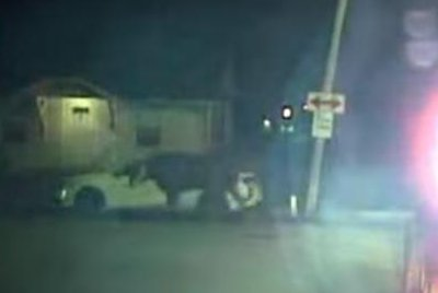 Watch:-Missouri-police-chase-escaped-steers-through-city