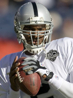 Ex-Raiders QB Russell faces drug charge