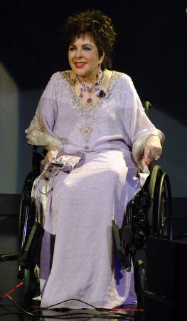 Publicist: Liz Taylor out of hospital