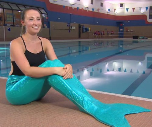 Toronto class teaches mermaids to flap their fins