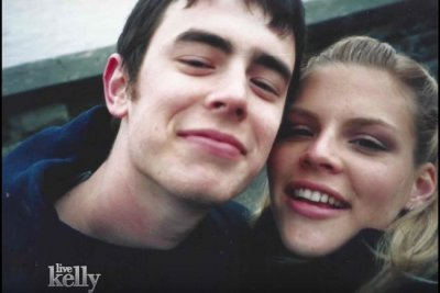 Busy Philipps reunites with ex-boyfriend Colin Hanks on 'Live!'