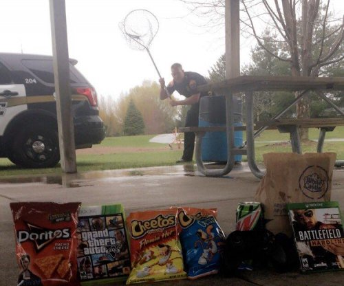 Viral photo shows Minnesota police's 'undercover 4/20 operations'