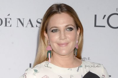 Drew Barrymore says Tom Green interview was unscripted
