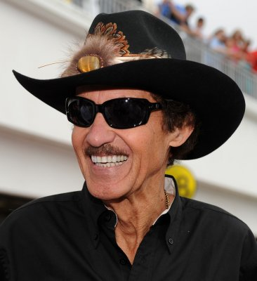 NASCAR names Hall of Fame finalists