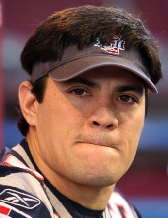 Patriots re-sign Tedy Bruschi