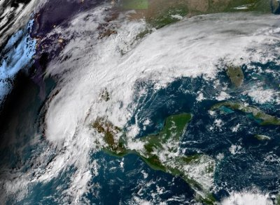 Hurricane Willa arrives on Pacific Mexico coast as Category 3 storm