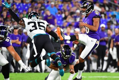 Vikings coach Zimmer open to Vedvik punting and kicking