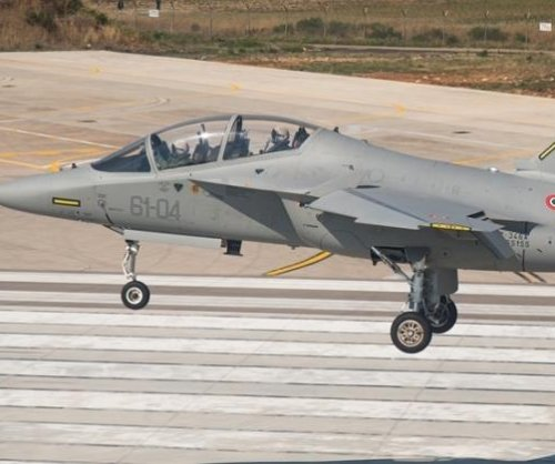 Italy orders more Aermacchi trainer aircraft