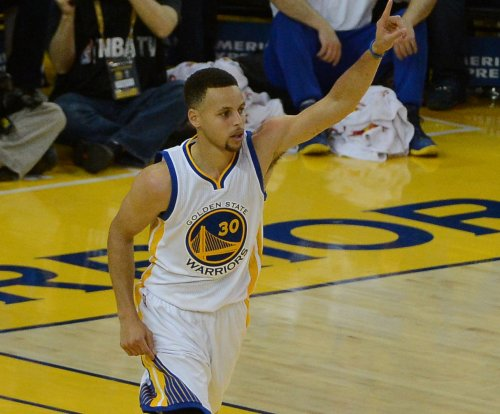 Stephen Curry injures ankle in series opener
