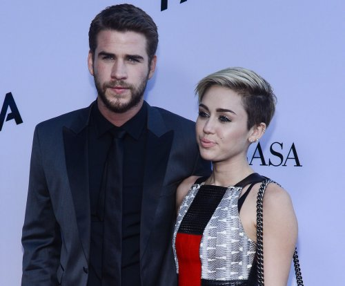 Instagram official: Miley Cyrus and Liam Hemsworth are together