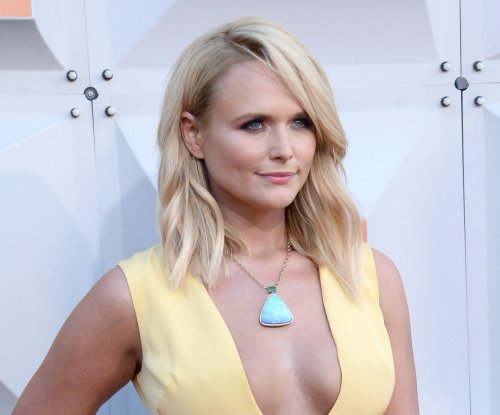Miranda Lambert announces new November album, 'The Weight of These Wings'