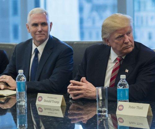 Trump team considers slimming, refocusing intelligence agencies