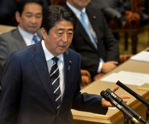 Japan's Shinzo Abe to meet with Trump for trade summit