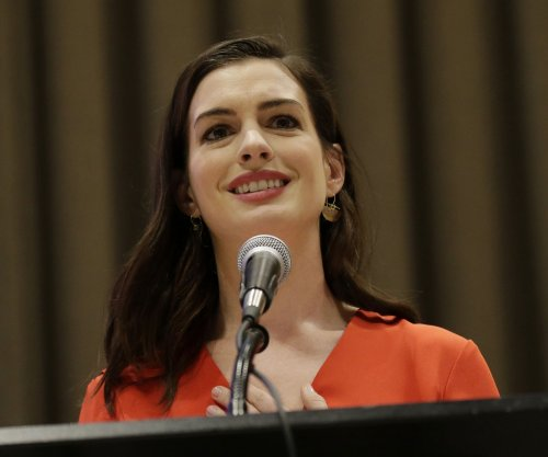 'The Princess Diaries': Anne Hathaway celebrates film's 16th anniversary