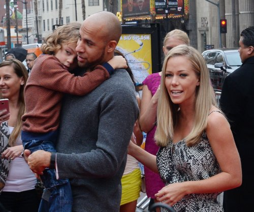 Kendra Wilkinson 'done tweeting' about Hank Baskett after row