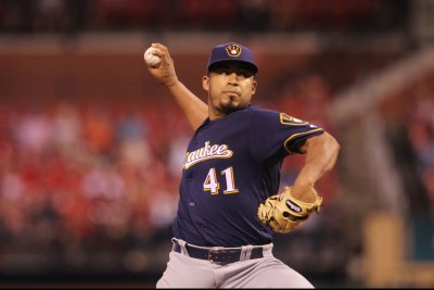 Brewers, Pirates continue long series in Pittsburgh