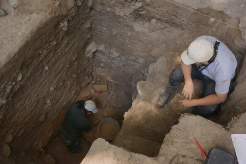 Ancient burial site in Belize reveals when people started eating maize