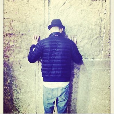 Justin Timberlake shares photo of himself at Western Wall