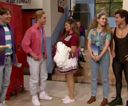 Tiffany Thiessen and the 'Saved by the Bell' cast reunite on 'Tonight'