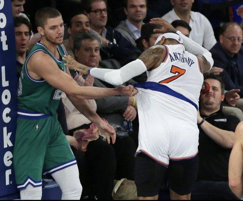 Dallas Mavericks' F Chandler Parsons likely to undergo season-ending knee surgery