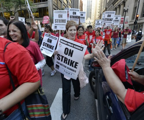 Chicago teachers nearing potential strike amid contract talks